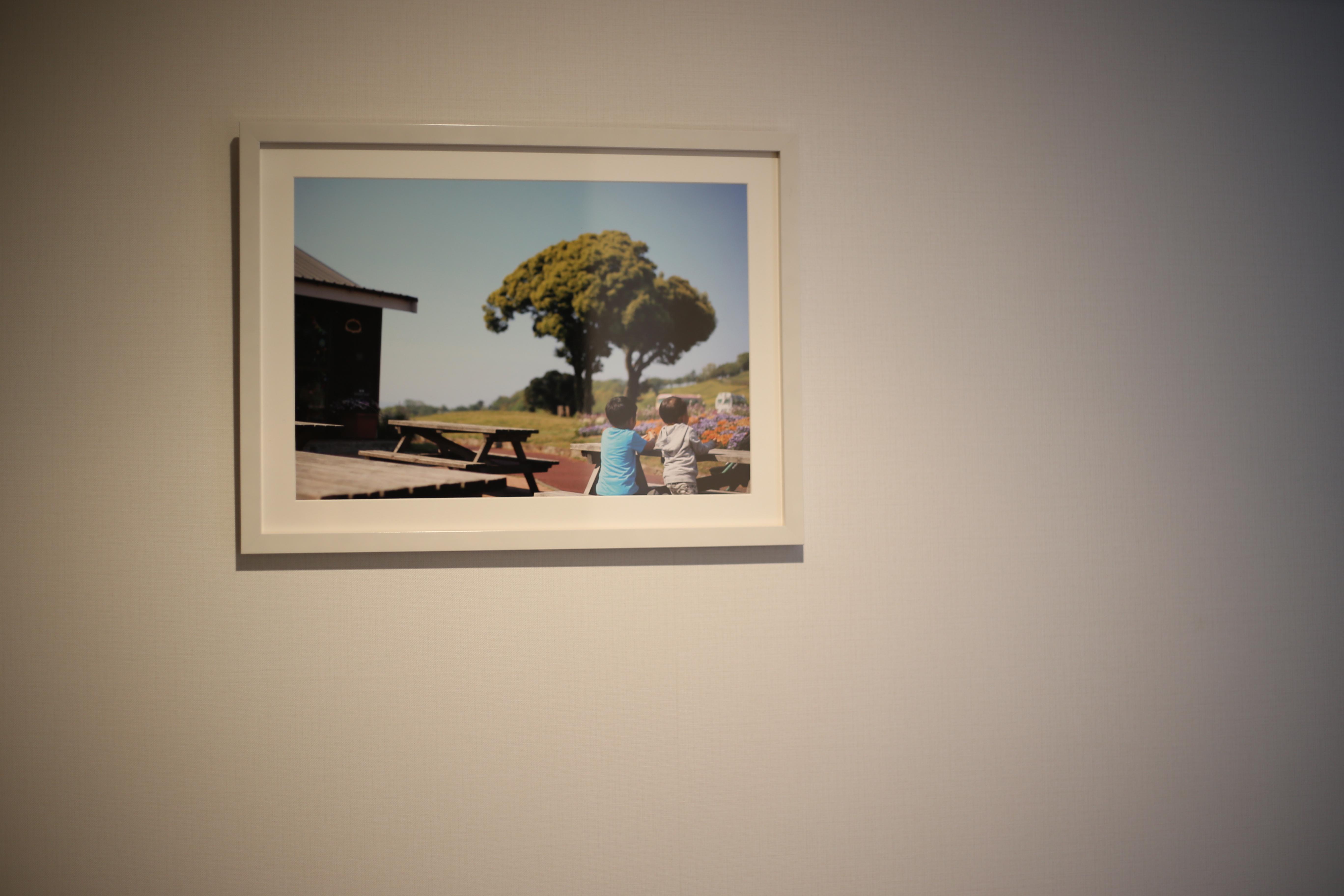 オシャレ部屋への険しい道 A3サイズの写真を飾ったよ