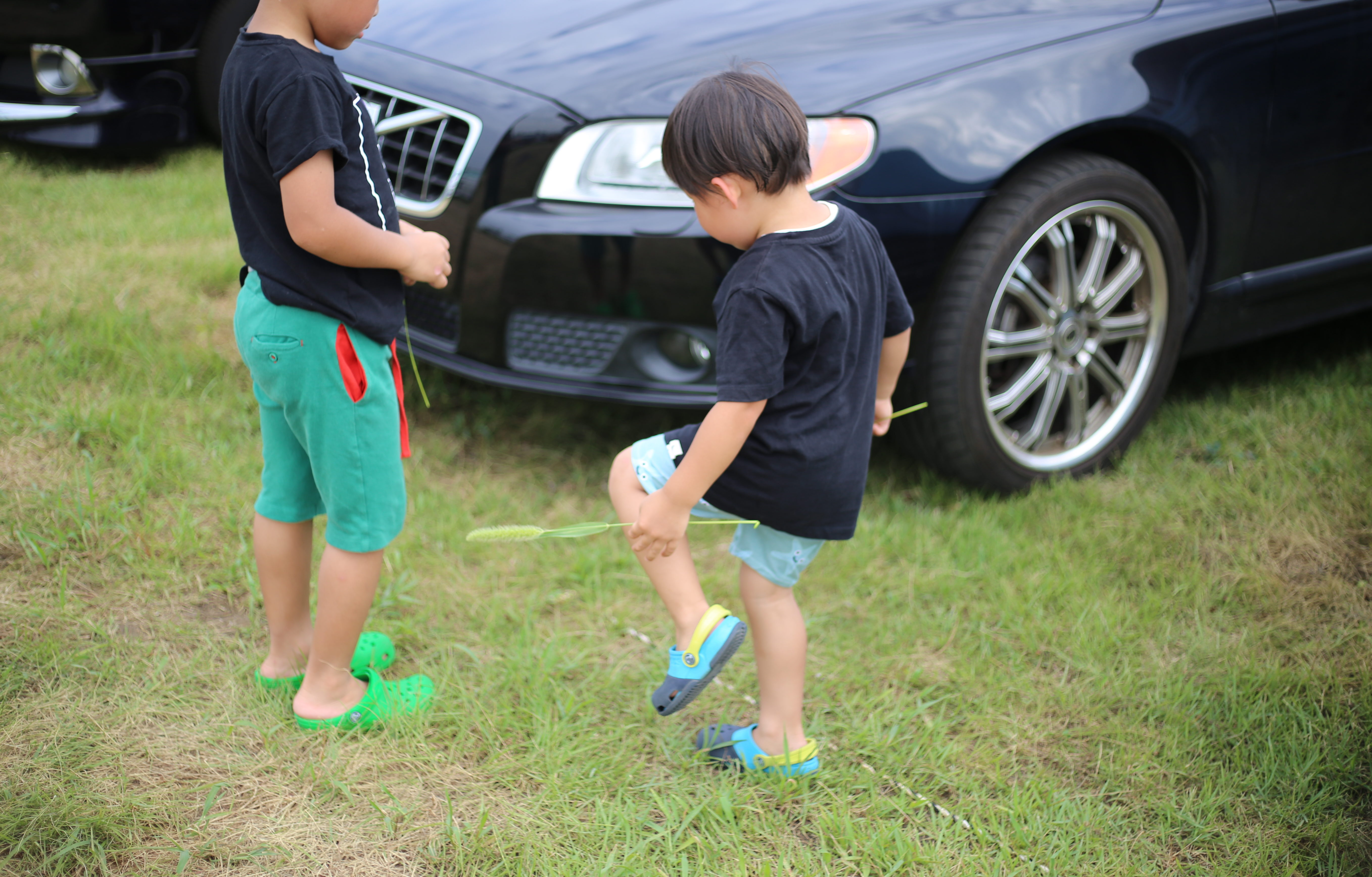 男の子たちはアブナイのか。いま、息子を育てる怖さ。しかもふたり。